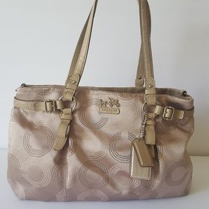 WOMEN'S COACH SATCHEL HAND BAG/ BEIGE GOLD COLOR